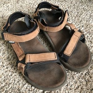Womens' Tevas Size 9 Brown Leather Sandals